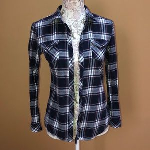 Romeo & Juliet Couture Plaid Shirt Small